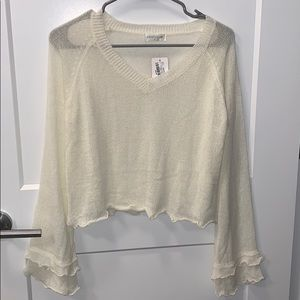 NWT Vestique ivory cropped sweater